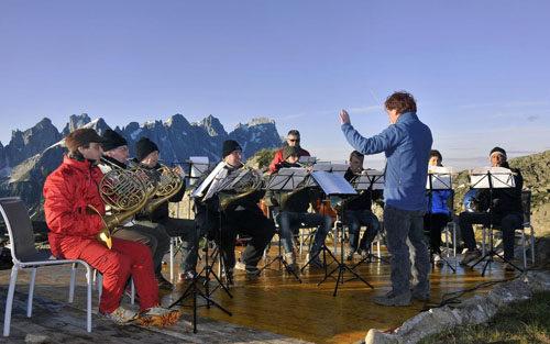 """""""I Suoni delle Dolomiti"""", un quarto di secolo di musica tra le vette"""