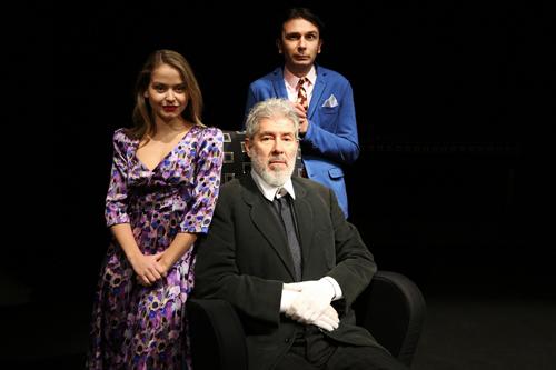 Chi è di scena, lo spettacolo scritto, diretto e interpretato da Alessandro Benvenuti in scena al Teatro Traiano di Civitavecchia