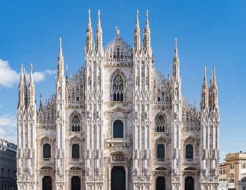Il Duomo di Milano spalanca le porte agli Alpini