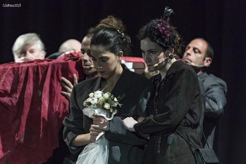 Famiglia, lo spettacolo di Valentina Esposito in scena al Teatro Lo Spazio di Roma