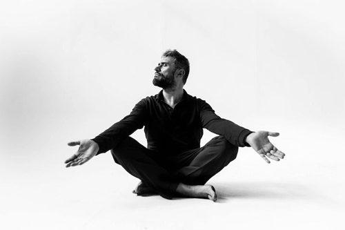 """Il cantautore R. M. Giordi presenta l'album """"Il Sogno di Partenope"""" al Teatro Arciliuto di Roma"""