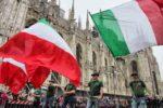 Gli applausi di Milano agli 80mila Alpini in sfilata