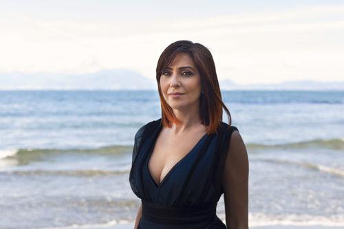 La pianista e compositrice Giuseppina Torre presenta live il suo nuovo disco Life Book alla Rizzoli Galleria di Milano
