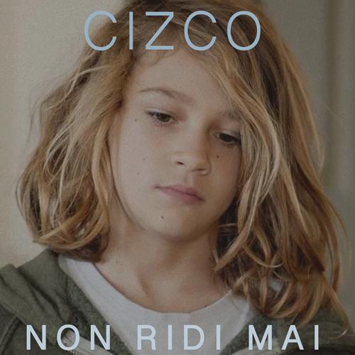 """Cizco, inviato de Le Iene, autore e scrittore, torna alla musica dopo più di 10 anni con """"Non ridi mai"""""""