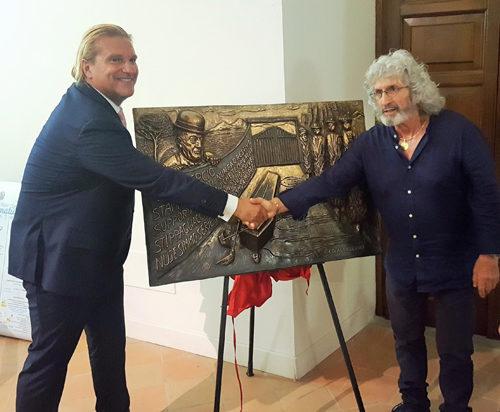 Il Maestro Ignazio Colagrossi con La Livella di Totò a Sfumature D'Arte