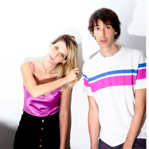 Mica la luna, il terzo singolo dei Cento Cento Cento, duo pop elettronico di Roma