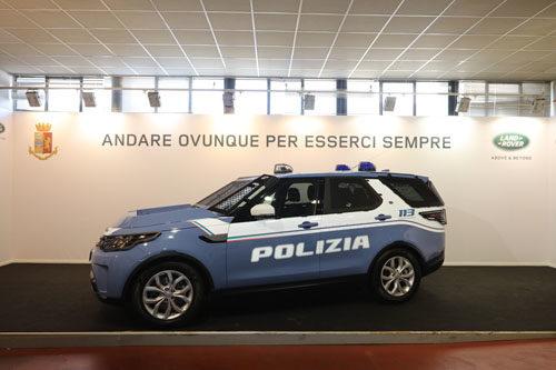 Land Rover consegna le Discovery alla Polizia di Stato