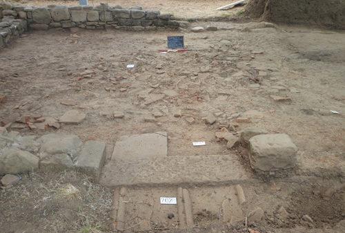 Riemerge a Caselle in Pittari un abitato del IV sec. a.C. Si viveva in ampie case e si scriveva correttamente in greco e in osco