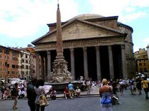 Piazza della Rotonda, uno dei punti d'incontro preferiti dai romani fino al 1960