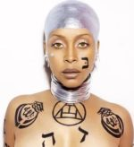 Erykah Badu, al secolo Erica Abi Wright, sul palco dell'Arena Civica di Milano