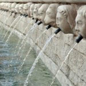 La Fontana delle 99 cannelle e i suoi misteri