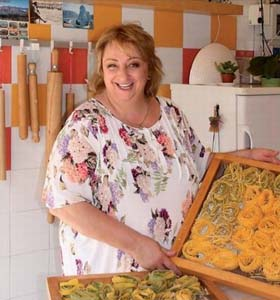 La maestra di cucina di Alessandra Spisni