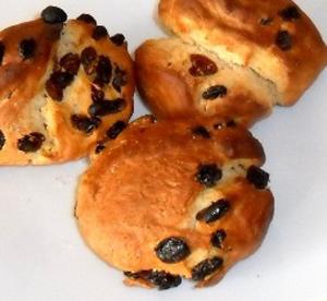 Panini dolci con uvetta come prima colazione o per la merenda