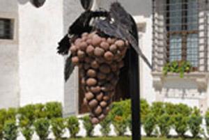 Uomini e pietra, la mostra a Palazzo a Roccabruna