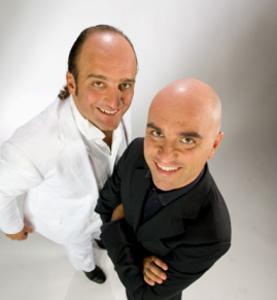 Pablo e Pedro in Comicidio, lo spettacolo in scena al Parco del Celio di Roma
