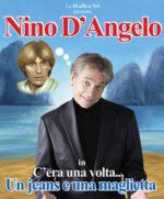 Nino D'Angelo in C'era una volta… un jeans e una maglietta