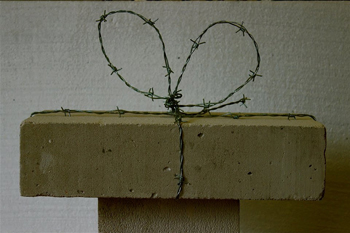 L'arte nel tempo del dolore: Nawras Shalhoub. A piece of wall for you mon amour