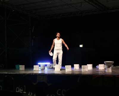 50 Lire – spettacolo sulle fabbriche senza padrone della Compagnia 20Chiavi in scena al Teatro Comunale La Fenice di Arsoli