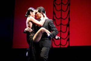 Adrian Aragon e Erica Boaglio in Pasiones Tango y Musical