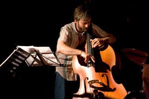 Pietro Ciancaglini, The Bass Journey, omaggio a Contrabbasso Jazz al Bar Italia Club di Cassino