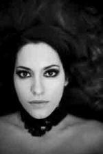 Camelie e margherite, il nuovo singolo di Chiara Candra Canzian in radio e nei negozi digitali