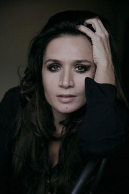 Chiara Civello, prosegue il tour per presentare i suo ultimo disco Canzoni