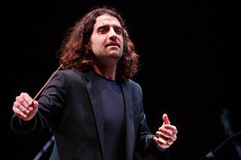 Gabriele Ciampi dirigerà l'Orchestra I Pomeriggi Musicali al Teatro Dal Verme di Milano