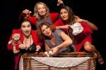Fantastiche Visioni 2015 al Belvedere di Ariccia, prosegue il suo viaggio nella comicità al femminile con Moms! Il primo varietà sulla maternità