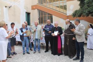 Mons. Mariano Crociata alla casa di riposo Curzio Salvini. Grande festa al centro