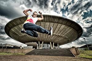 Red Bull Bc One, al via il web contest Fingerbreakin'. Il vincitore volerà in Corea del Sud