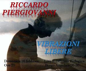 Riccardo Piergiovanni in 'Le Vibrazioni Libere' in scena a Borgo Angelico per riscaldare l'atmosfera dell'Officina Biologica di Roma
