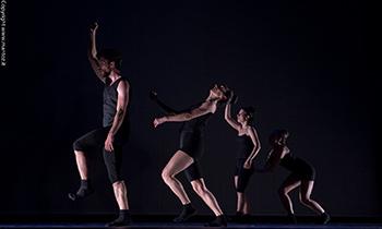 Svarupa – Vyakta, la doppia performance al Teatro Bertolt Brecht di Formia