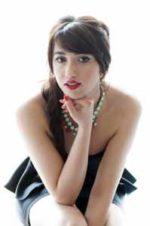 Ylenia Lucidano, nei tre live per Calabriasona presenterà il nuovo brano in dialetto calabrese Movt Movt