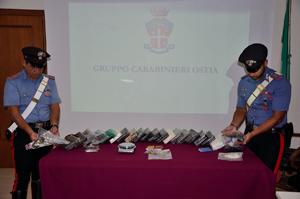Scoperto deposito della droga del litorale romano. Sequestrati 22 chili di cocaina purissima e 2 pistole con munizioni
