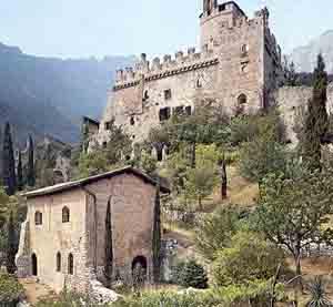 Visite e rievocazioni storiche a Castel Romano e al Castello di Avio