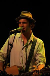 Gianmarco Dottori in concerto sul palcoscenico di Officina Biologica