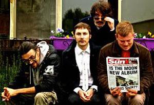 Waiting For Yourself: anima pop-rock britannica nel nuovo disco di The Moon