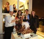 Una cascata di profitterol per festeggiare Francesca Brienza