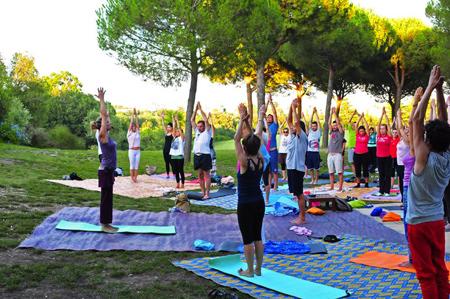 Yoga Gratuito a Villa Pamphili a Roma