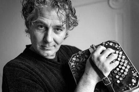 Paolo Russo torna live per la prima nazionale di Tangology con il Colibrì Ensemble