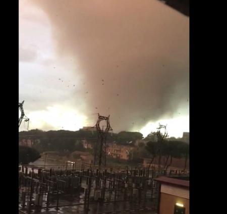 Tromba d'aria si abbatte sul Lazio, 2 morti