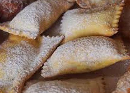 Ravioli fritti con marmellata e alla nutella