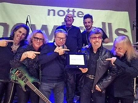 Notte New Trolls: 50 anni di musica e una prestigiosa targa consegnata dal presiente di PMI