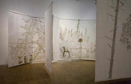 Antipolvere, la personale di Stefano Arienti a la Galleria Civica di Modena