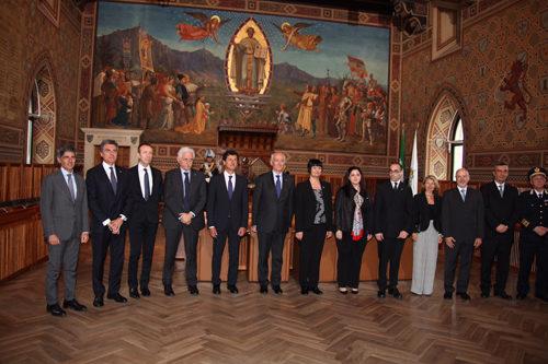 Il Capo della Polizia Gabrielli incontra i vertici della Sicurezza della Repubblica di San Marino ed inaugura punto a punto tra Sale Operative