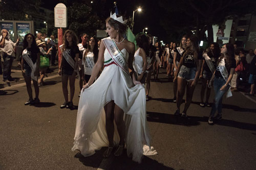 Miss Italia, parata di bellissime a Jesolo