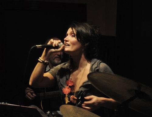 Wave Duo di Daniella Firpo e Roberto Poltronieri in concerto al Bagno Apollo di Porto Garibaldi