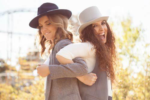 Dalla cenere, il singolo di Iza&Sara approda in radio