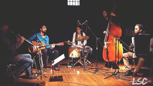 La world music dei Kërkim nella tournée che parte dal tacco dello Stivale e arriva in Europa