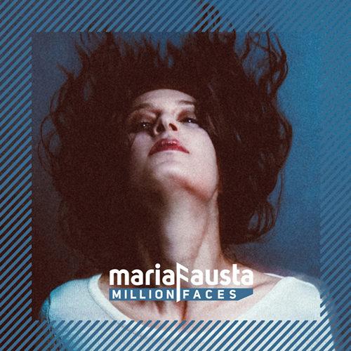 MariaFausta, la cantante compositrice violinista presenta live i brani del nuovo album Million Faces al Théâtre De Nesle di Parigi